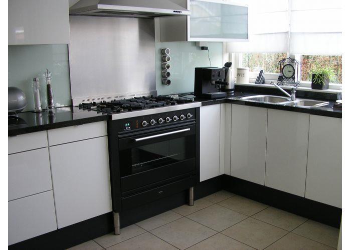 Spuitwerk voor keukens industrie en interieur spuiterij dordrecht